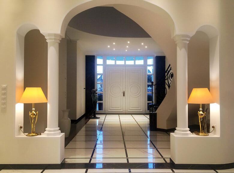 repr sentative stadtvilla mit klassischem portal. Black Bedroom Furniture Sets. Home Design Ideas