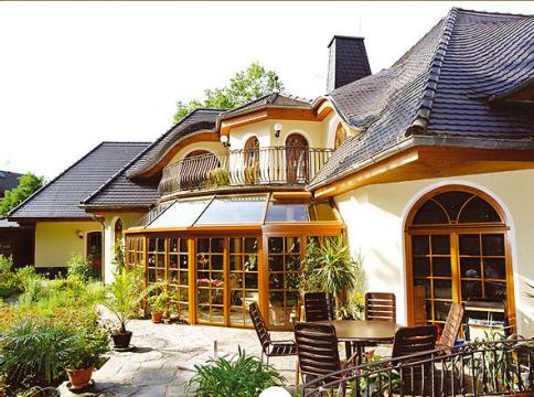 landhaus bauen als fertighaus bau o massivhaus. Black Bedroom Furniture Sets. Home Design Ideas