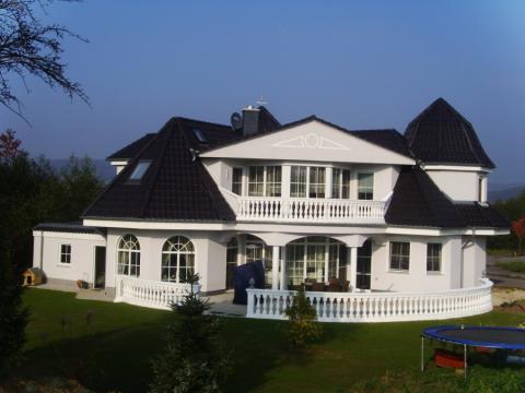 fence house design fertigteil villa. Black Bedroom Furniture Sets. Home Design Ideas