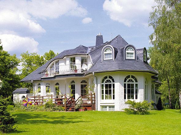 sch ne villa m pool preiswert kaufen modernes haus design. Black Bedroom Furniture Sets. Home Design Ideas